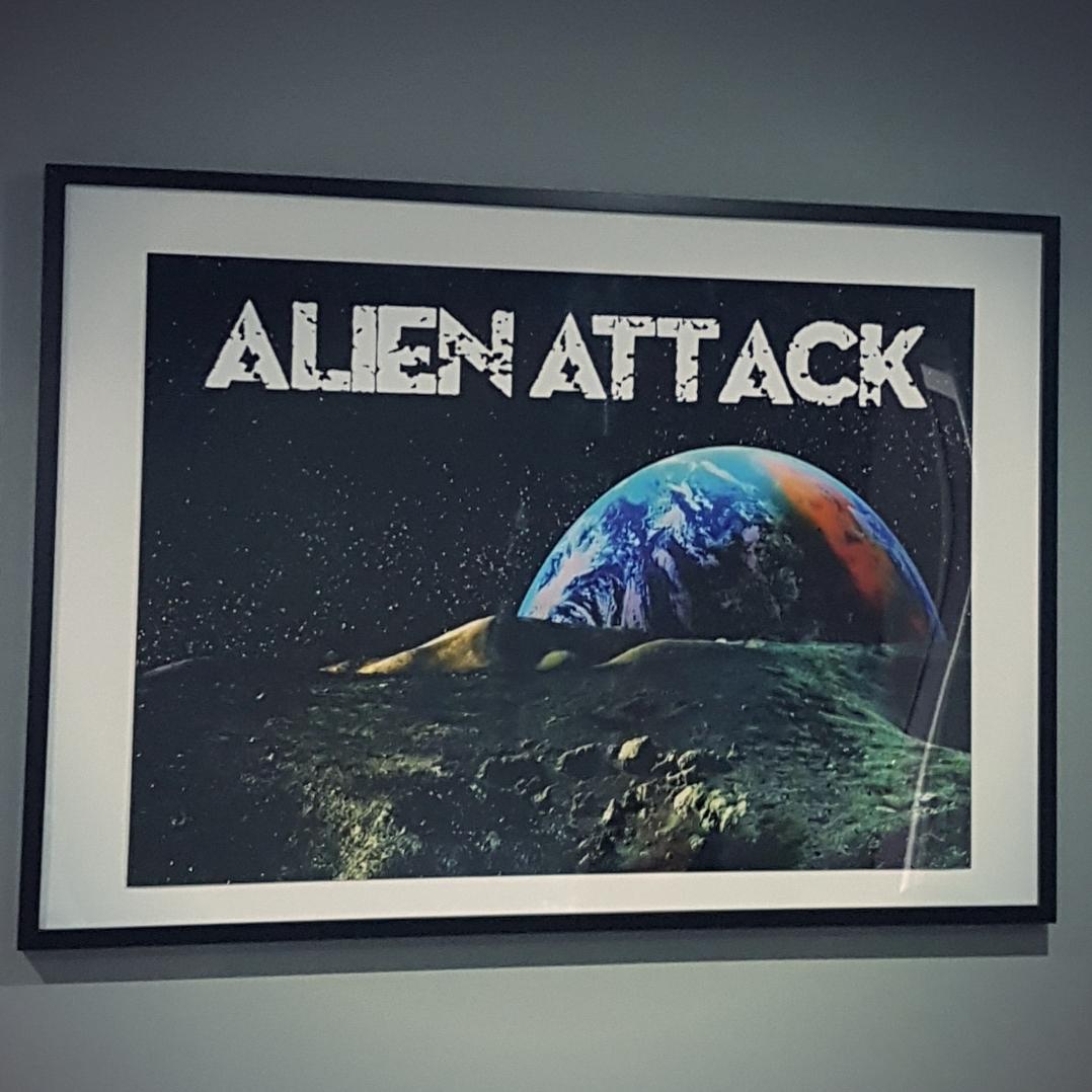 Alien Attack Escape Kent A Shiny Life For Me